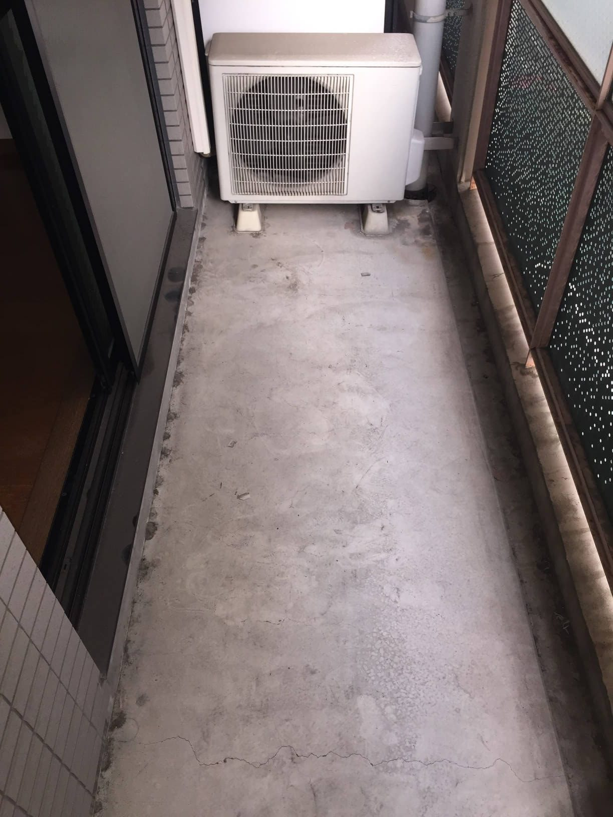 宝塚市 ハウスクリーニング「室外機周りの洗浄・ベランダの清掃」おそうじ/おそうじプラス