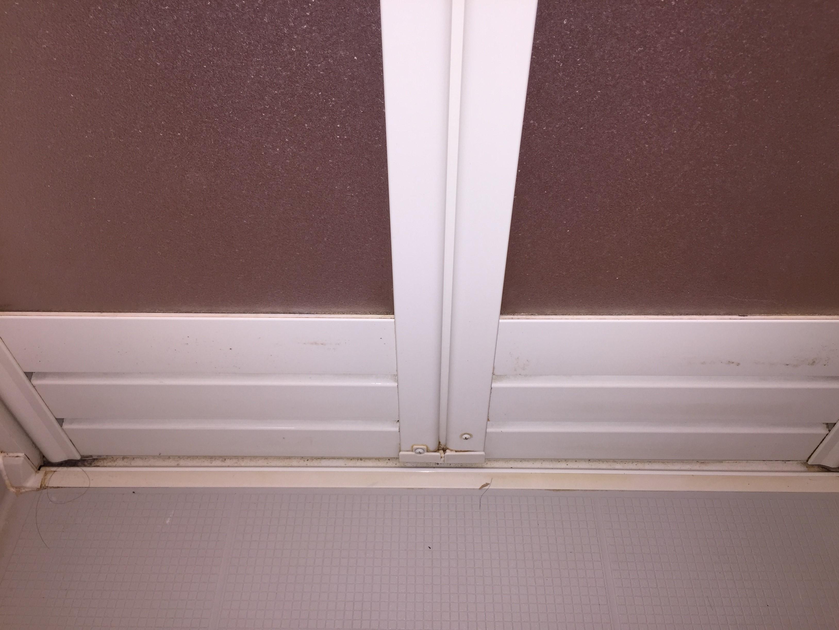 宝塚市 浴室クリーニング「扉/ドア」 ハウスクリーニング おそうじ/おそうじプラス