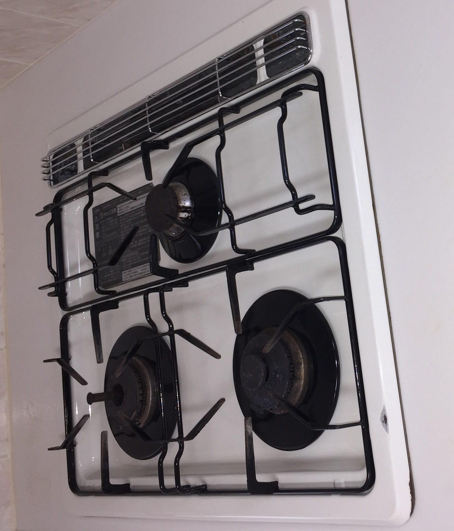 宝塚市 毎日のお掃除で綺麗な台所!ガスコンロの頑固な汚れをプロにお任せ下さい!