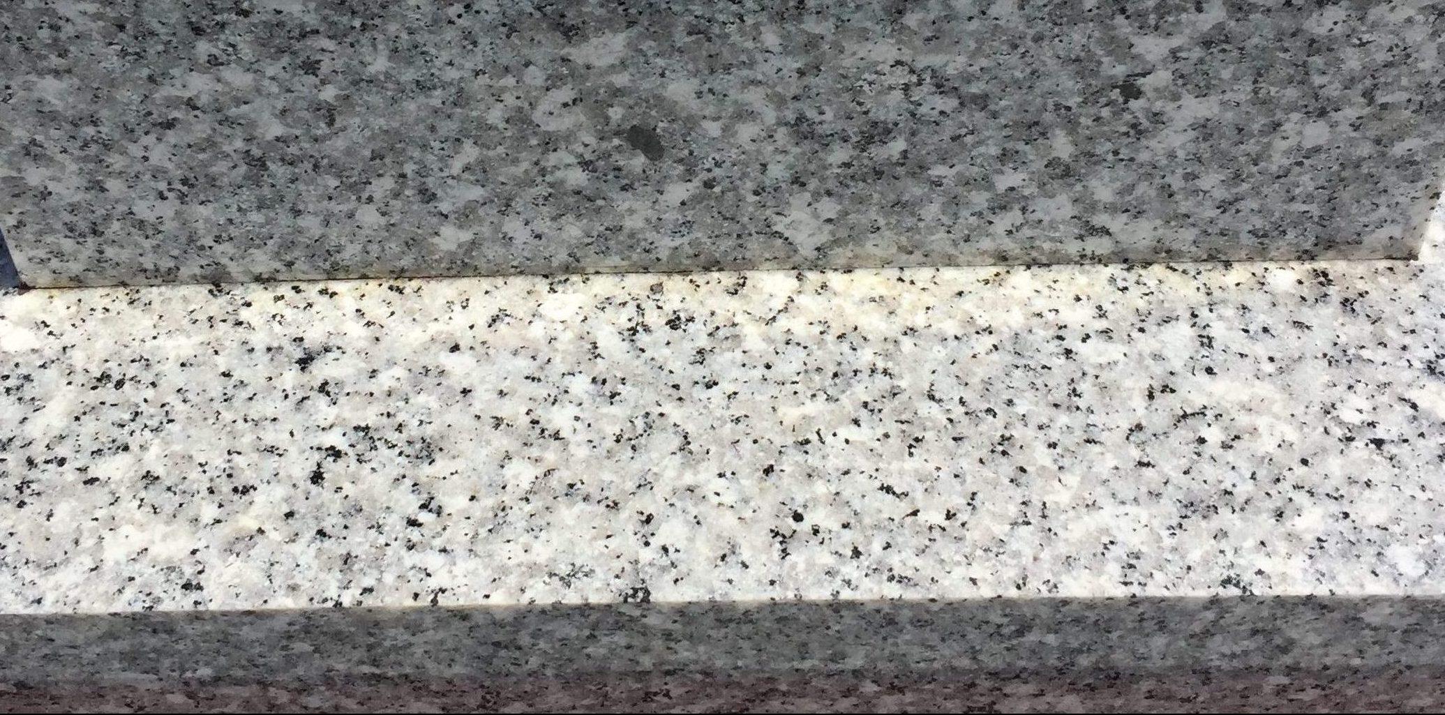 兵庫県 お墓のお掃除(清掃)代行いたします。墓石のシミやキズなど墓石クリーニングはおそうじプラスへ