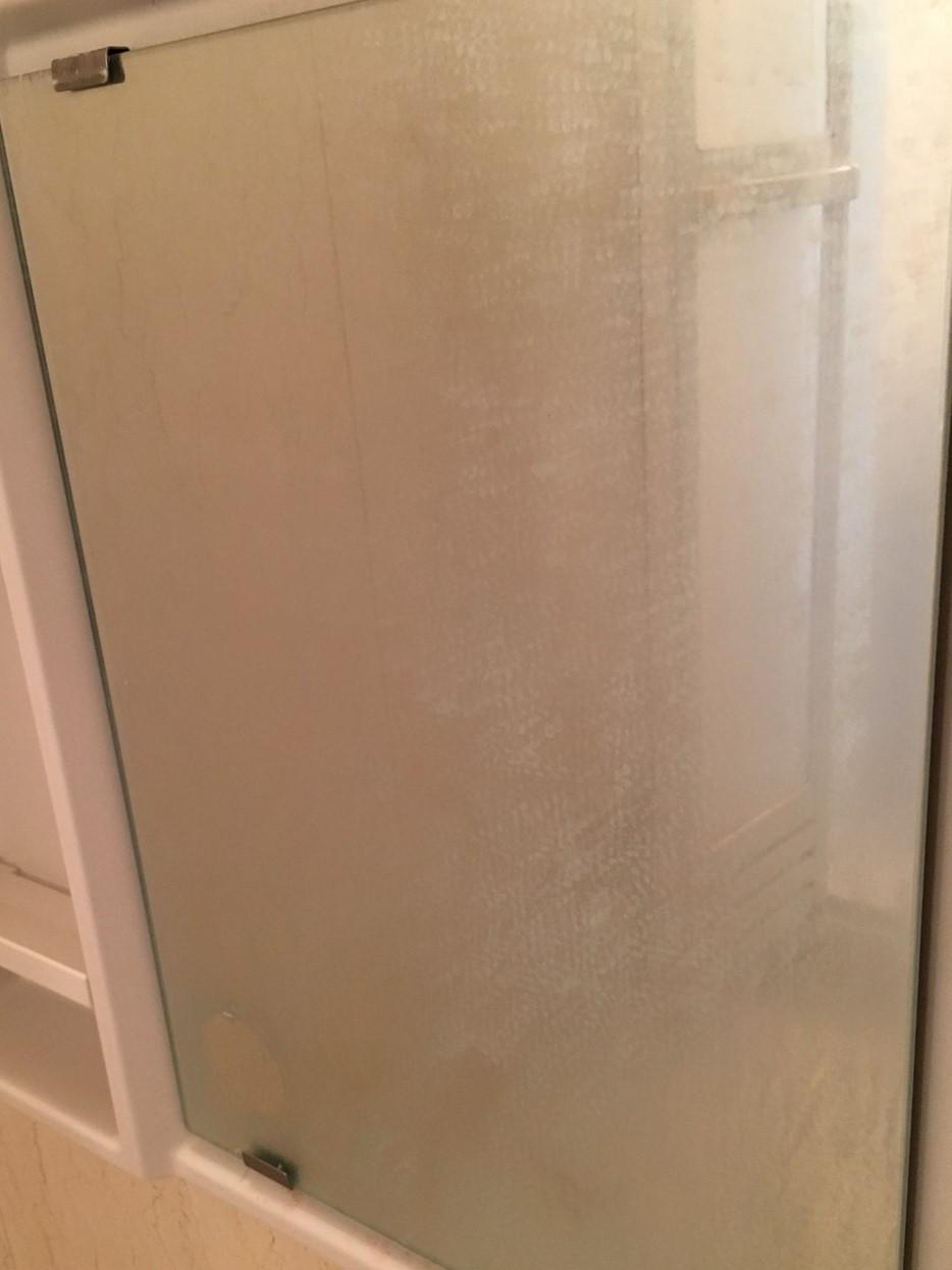 鏡の水アカ除去!ガンコな水アカを落として視界良好な鏡に!驚くほどクリアに!伊丹市・宝塚市・川西市~無料出張・無料見積は、おそうじプラスまで