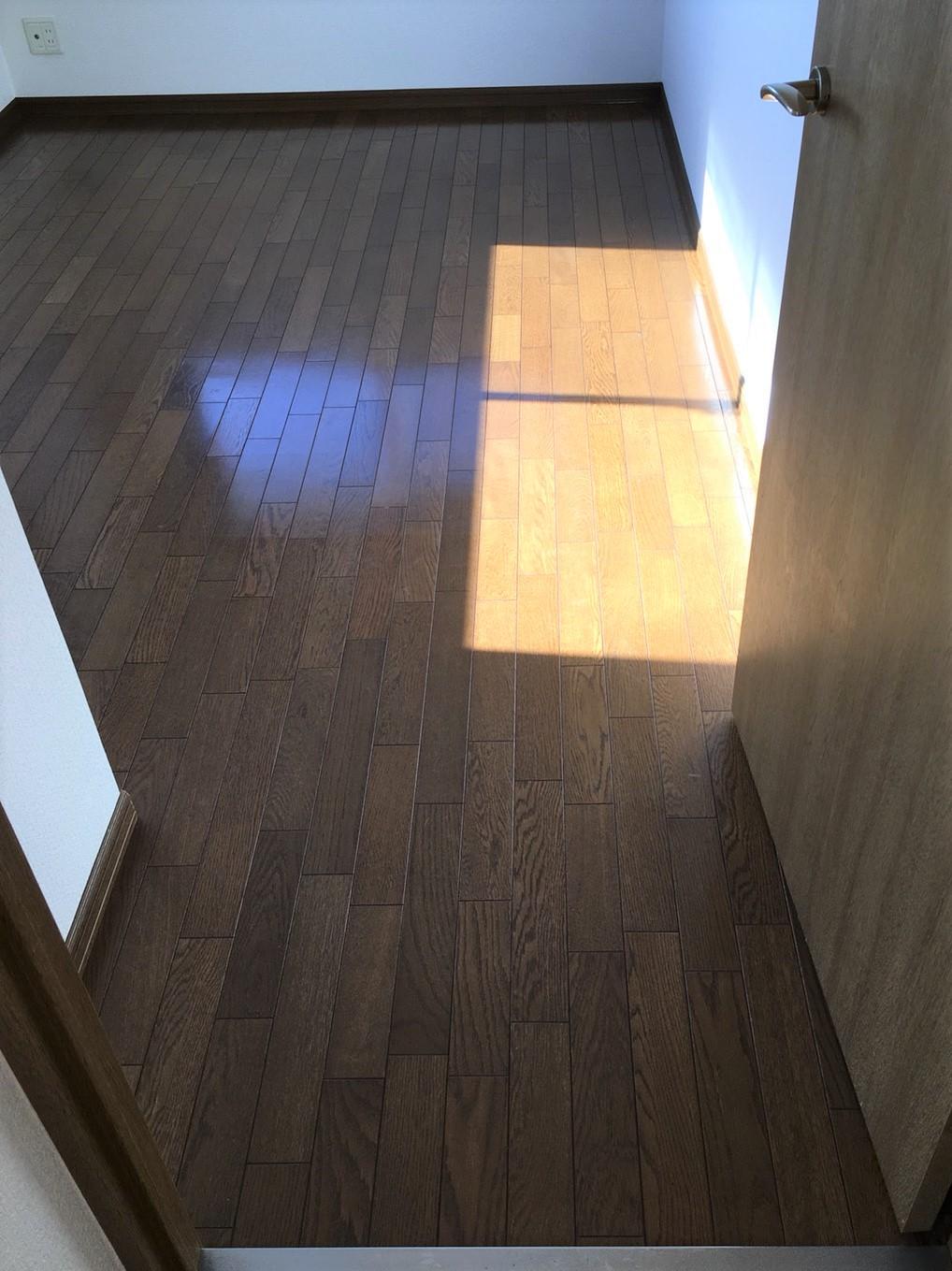 川西市~床の簡易清掃~一人暮らし・共働き世帯応援いたします!フローリングお掃除はおそうじプラスへ