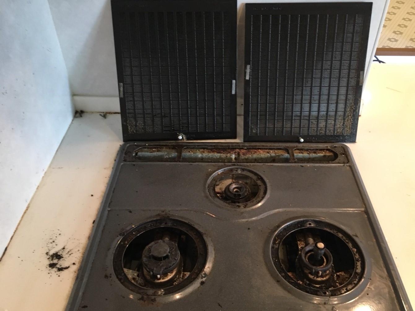 レンジフードのハウスクリーニング(分解掃除)、伊丹市・宝塚市・川西市の地域密着、ご相談・お見積無料