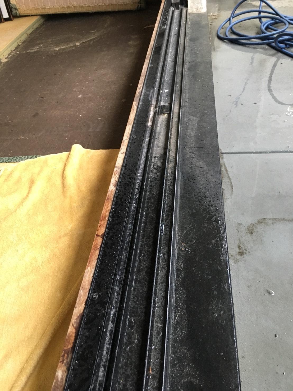 窓のサッシ清掃・ハウスクリーニングNO.1はおそうじプラスにお任せ下さい!お見積はもちろん出張料も無料で対応~
