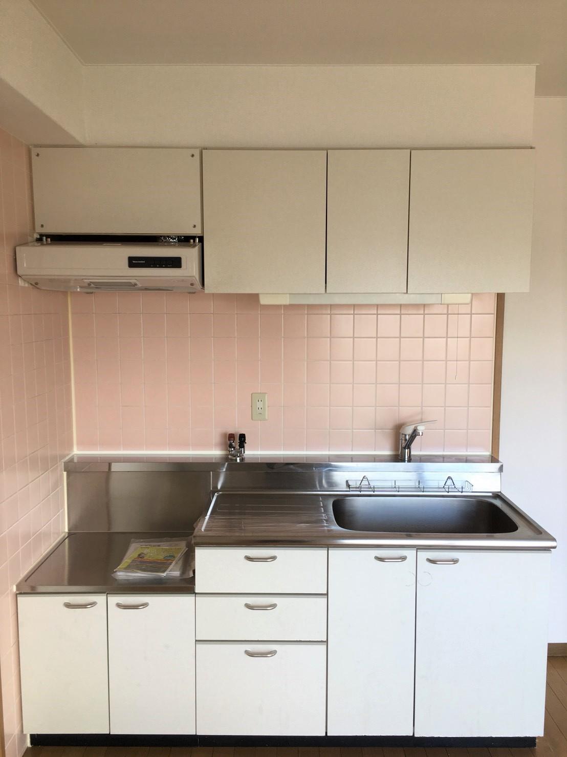 ハウスクリーニング 伊丹・リピート率NO.1 綺麗なキッチンはおそうじプラスにお任せ下さい!お見積はもちろん出張料も無料~キッチンをお掃除すれば、お料理が楽しくなる♪