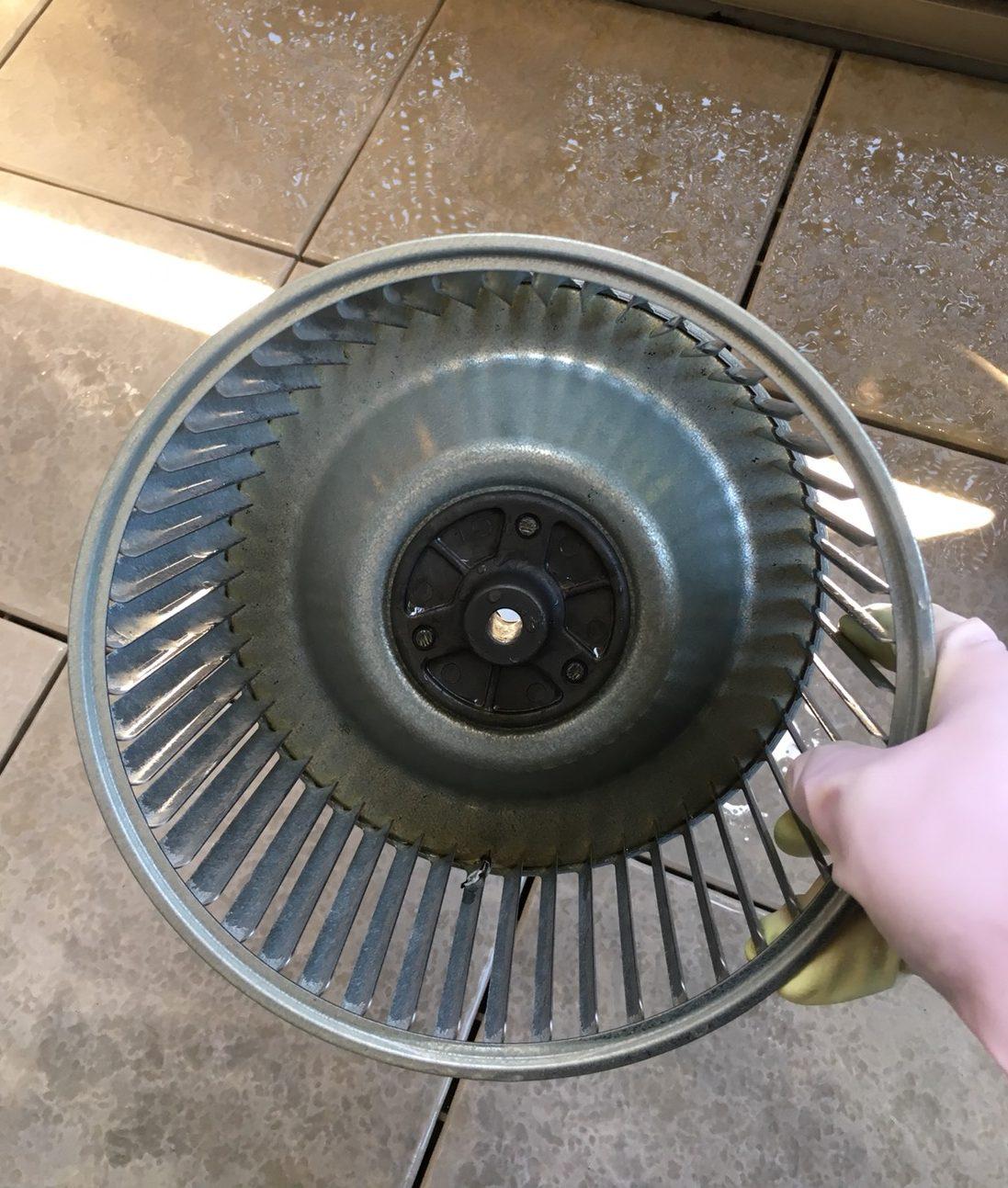 レンジフード・換気扇クリーニング・油汚れ どうやってお掃除すれば良い?お掃除で悩んでいるお客様、当店お気軽にご相談下さい!