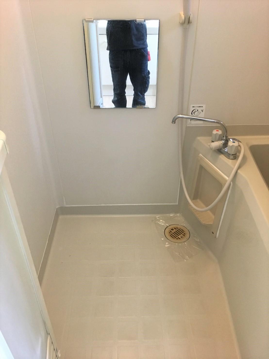 伊丹市・宝塚市・川西市/浴室クリーニング!リピートNO.1!!床面・シャワーホース・鏡・洗い場・排水口・照明、換気扇カバーなどお掃除代行のハウスクリーニングはおそうじプラスまで