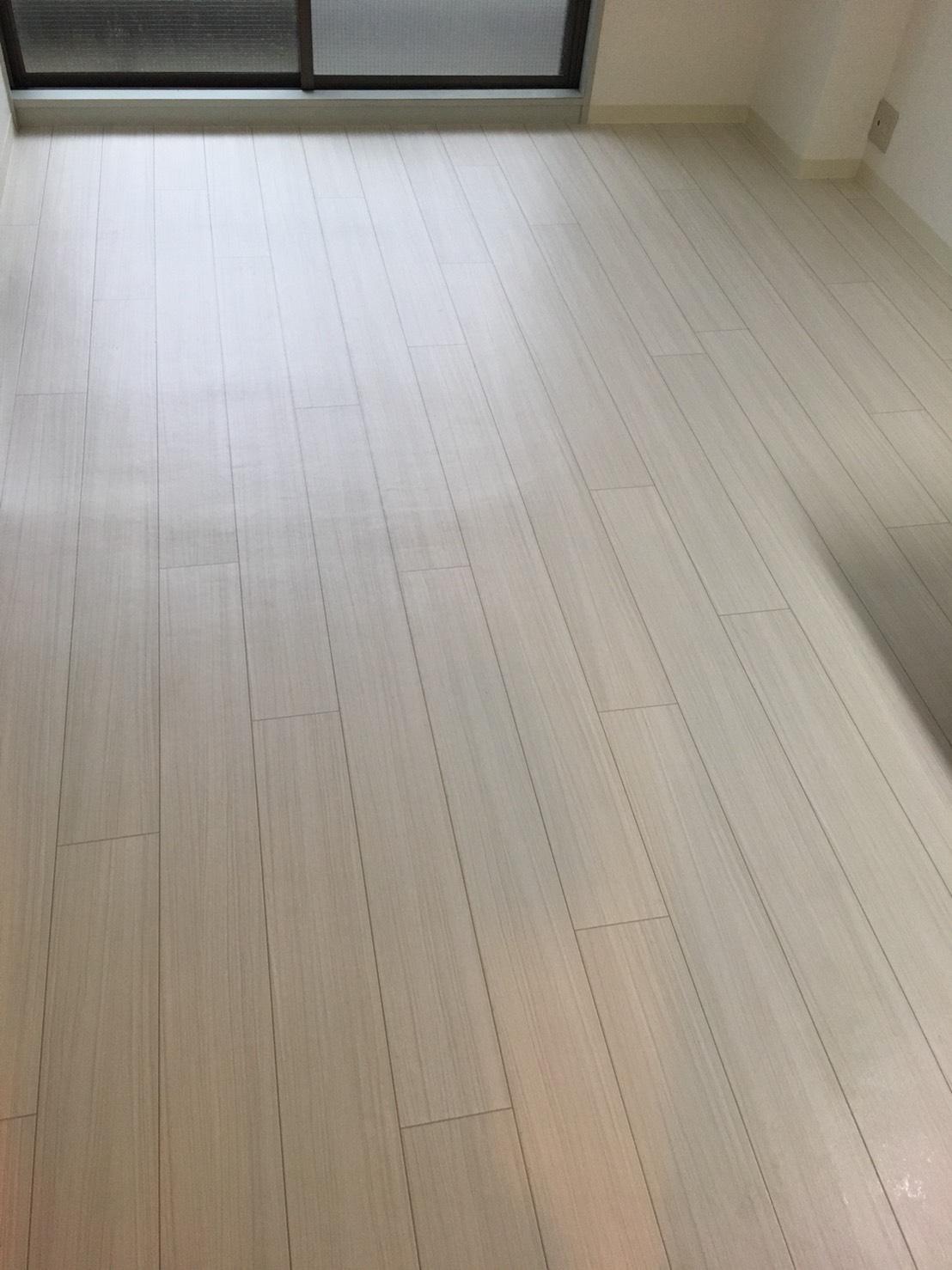 フローリング清掃!伊丹市・宝塚市・川西市の地域密着ハウスクリーニング!フローリング清掃はおそうじプラスへお任せください!