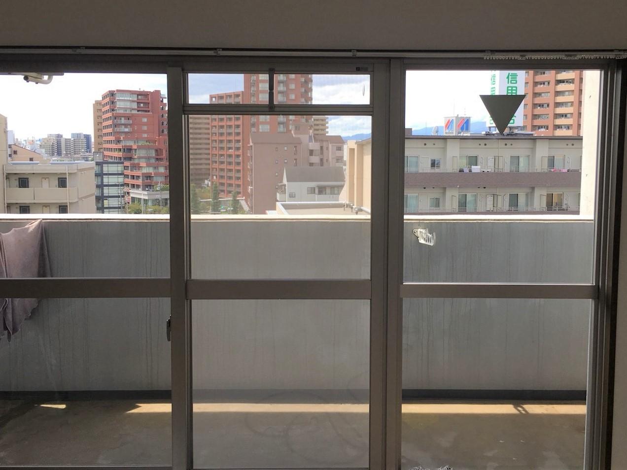 窓掃除・ガラス拭き・窓まわり!窓をキレイに保つポイント・・今すぐおそうじプラスへ!