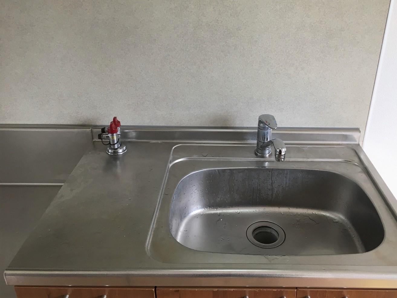 伊丹・宝塚・川西市 オーナー様、管理会社様 ハウスクリーニングはおそうじプラスまで!「キッチン」のシンク清掃お任せください!当社、ご相談・お見積無料です。