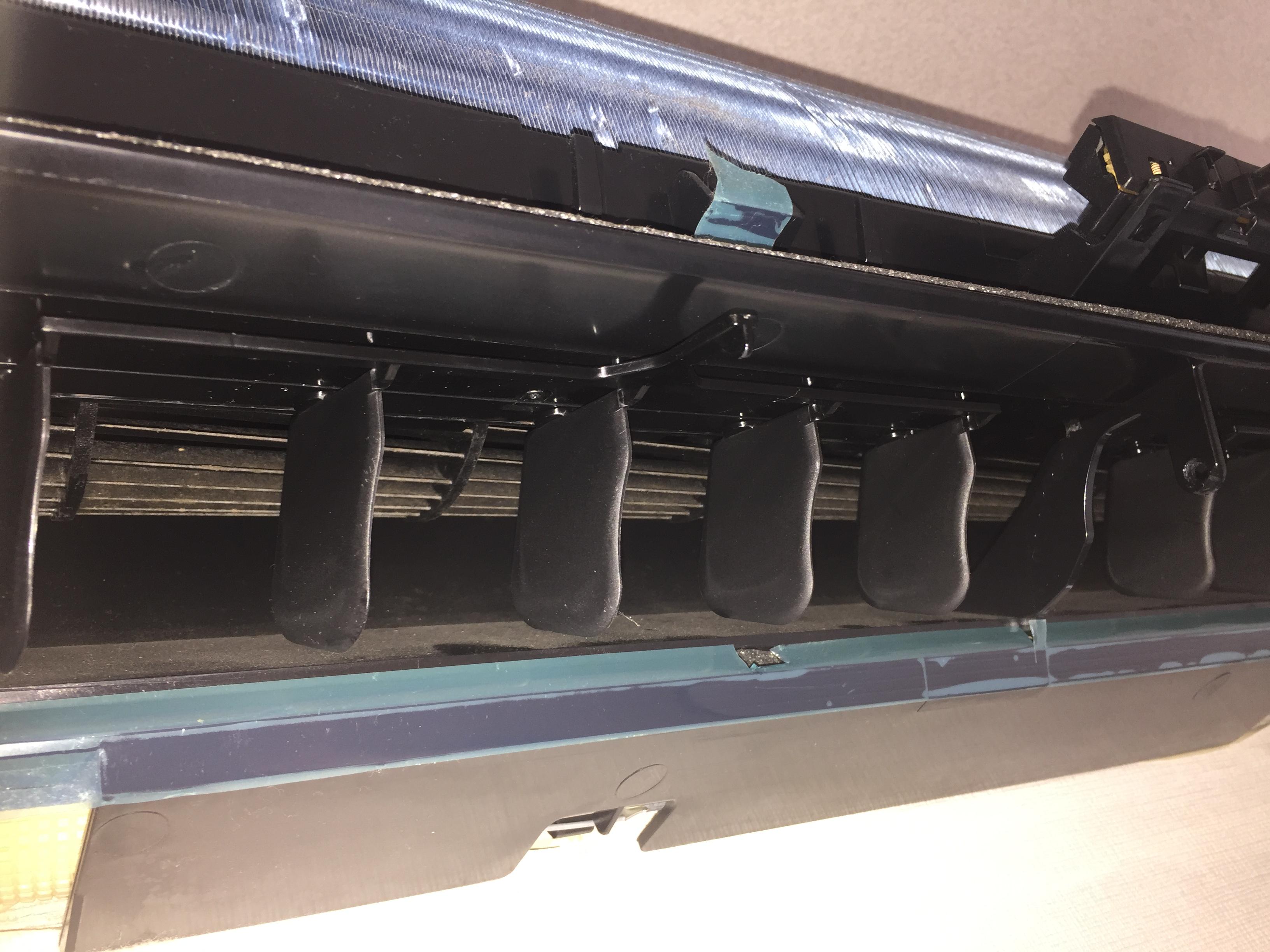 ダイキン・三菱・シャープ等人気メーカーのエアコン・お掃除機能付きでもどんな種類でも可!おそうじプラスにお任せ下さい!