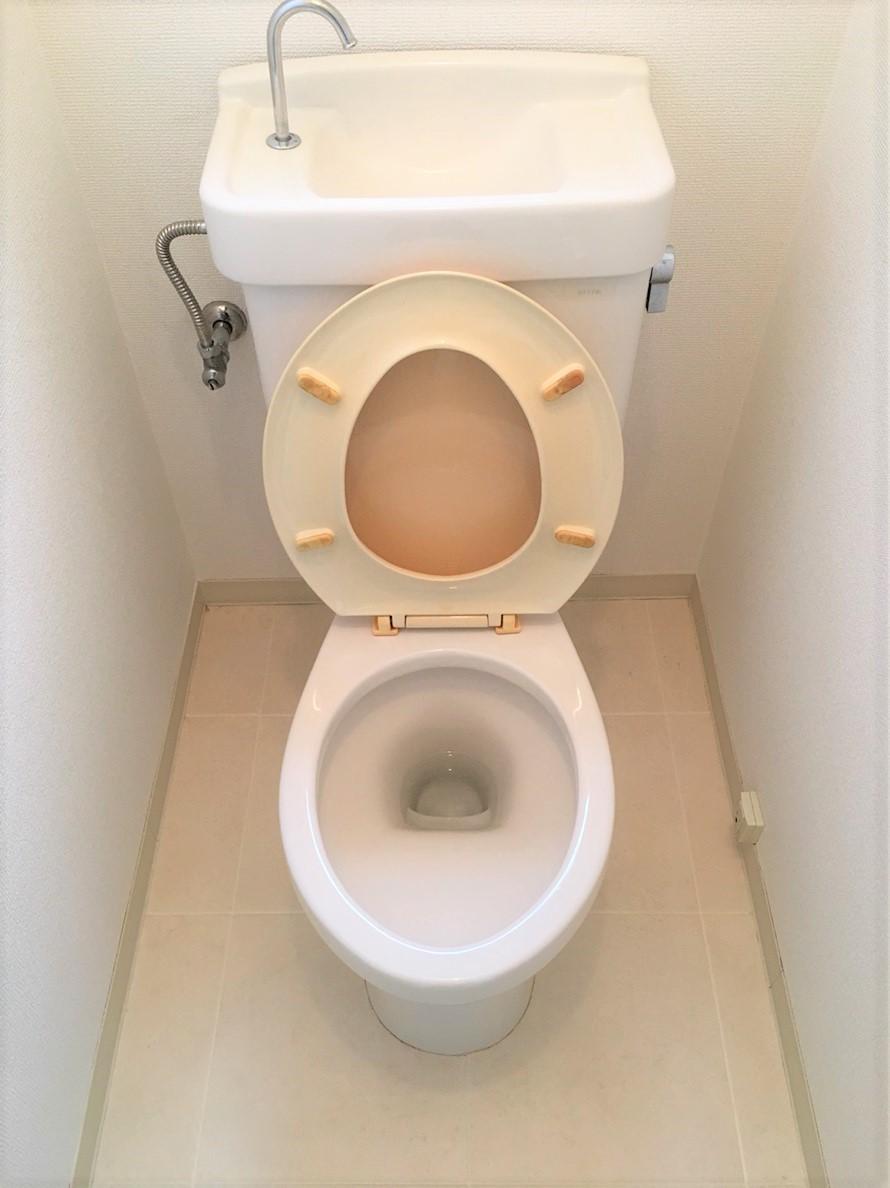 兵庫県・伊丹市 トイレ清掃ハウスクリーニング 忙しい主婦にとって嬉しくなります☆トイレをきれいなまま使い続けるためにも、ぜひプロのおそうじプラスにお任せください!