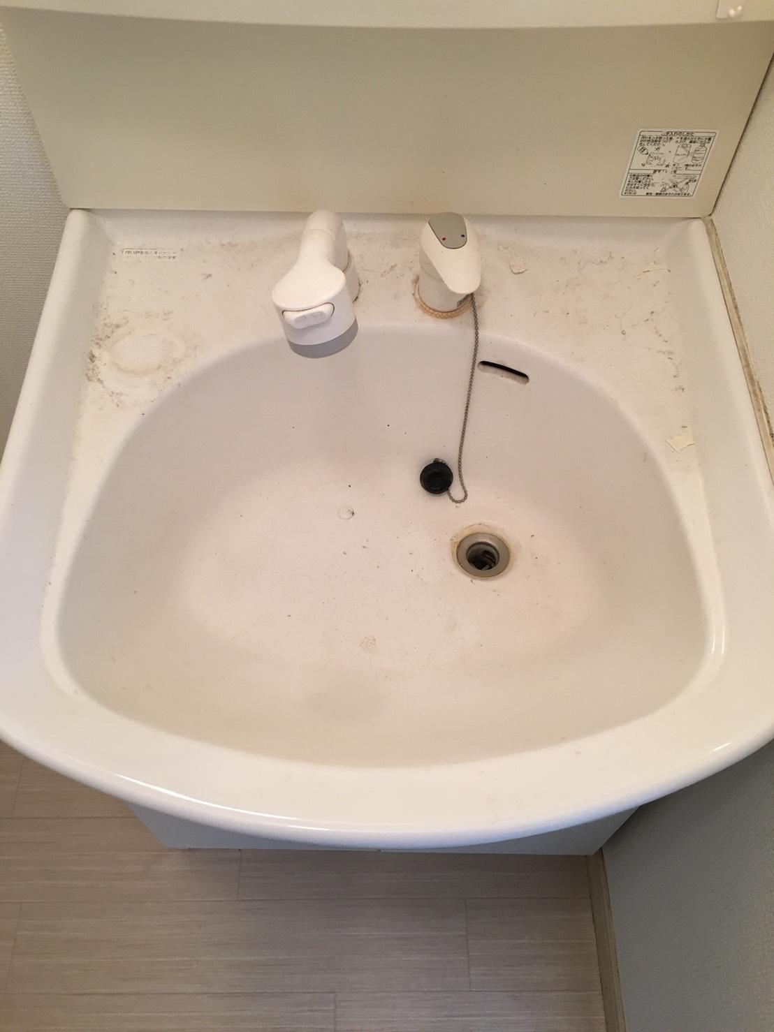 ガンコな汚れも残さず洗浄! 定期的清掃~洗面・化粧台クリーニング♪ハウスクリーニングはおそうじプラスまで!家族が毎日使う洗面所